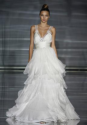 >Miranda Kerr is officially MARRIED! - Modern Wedding