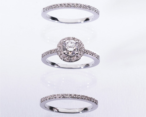 Engagement and wedding diamond rings