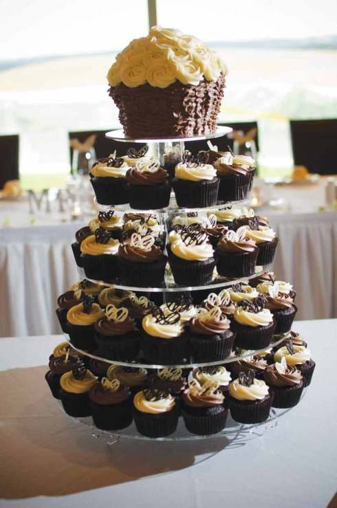 Cupcakes for A Winery Wedding