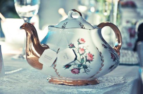 Vintage Tea Pot - Pretty Little Vintage Bridal Shower
